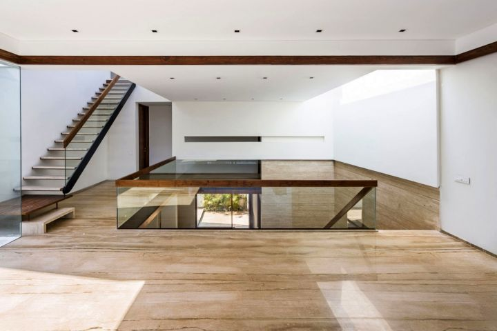 Fascinating modern house by charged voids punjab india for Modern house designs in punjab