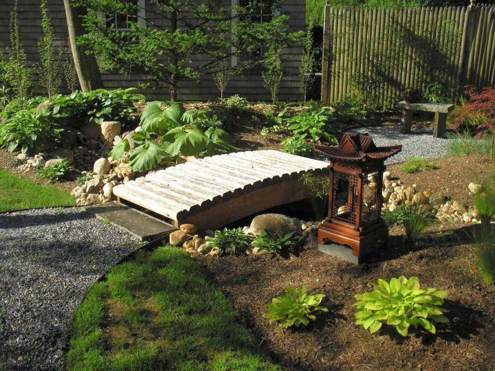 Oriental garden design with a bridge for Japanese garden bridge design
