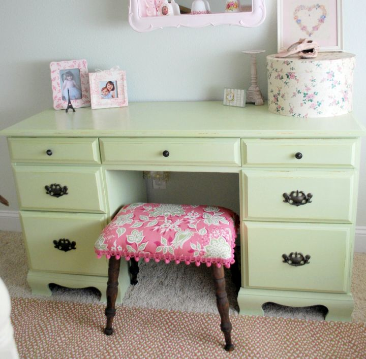 skirted vanity stool with pink cushion