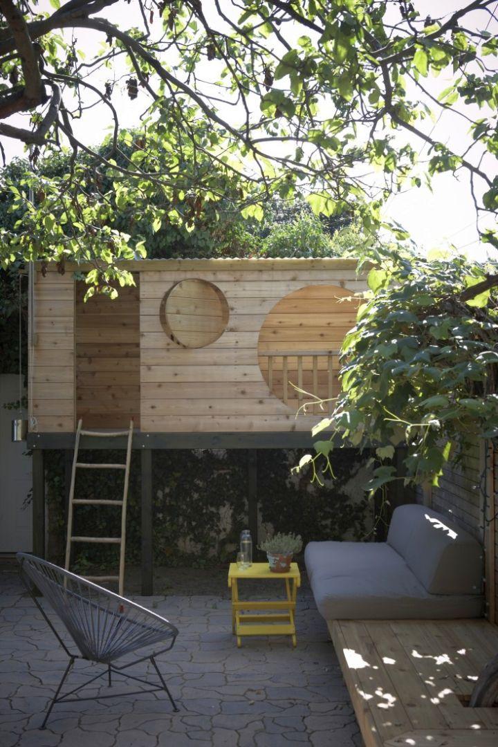 17 fun looking tree house on stilts ideas for Modern house on stilts