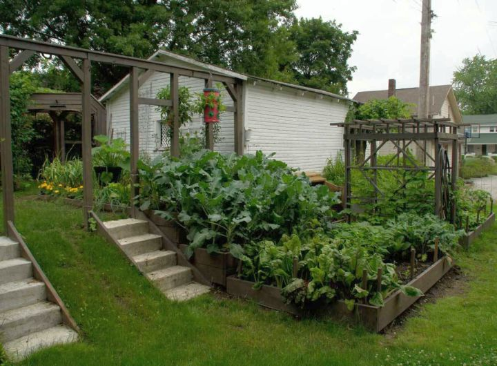 17 fantastic terraced flower garden ideas for Terrace kitchen garden ideas