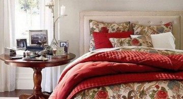 vintage bedroom decoration ideas with flowery bedding