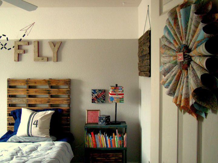 vintage bedroom decoration ideas with unique wall decor