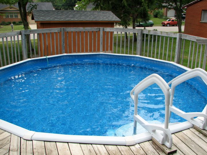 wood pool deck for small pool