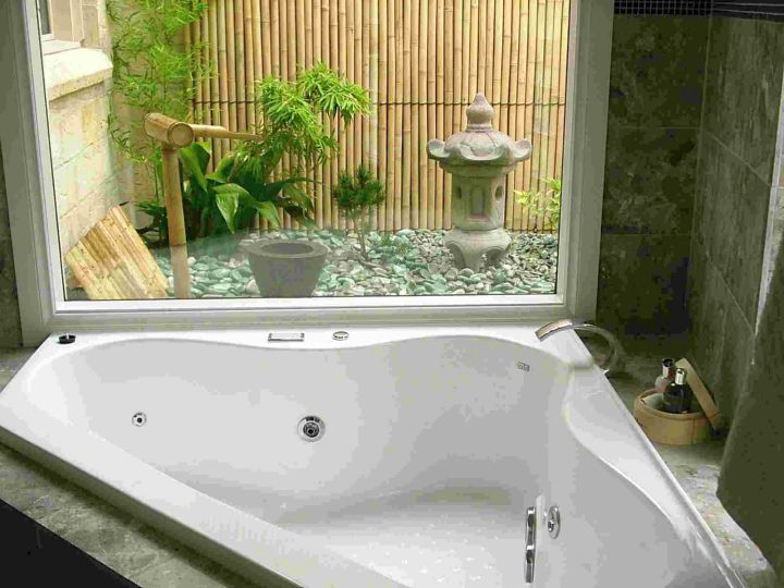 Japanese Bathroom Designs For Corner Bathrooms With Outdoor Bamboo Fountain