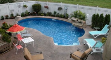 kidney shaped swimming pools for small spaces with seating area