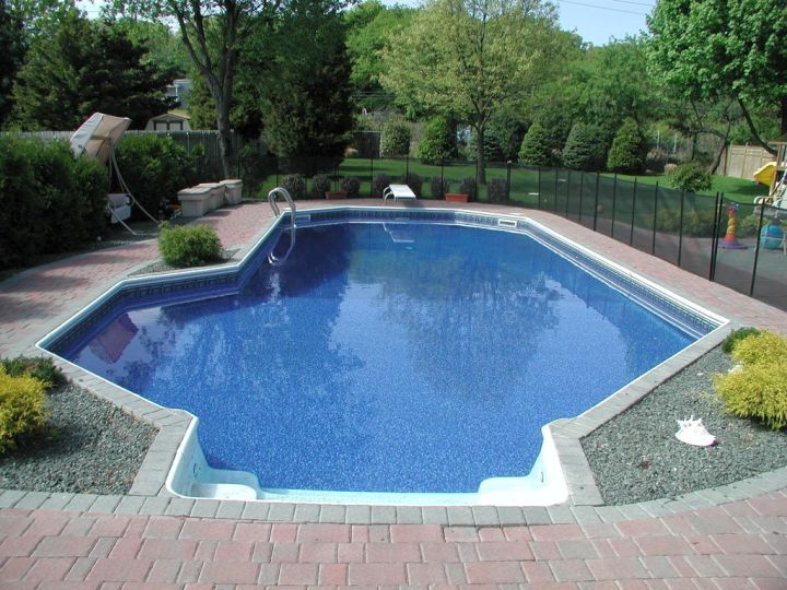 Lazy l pool designs for narrow back yard for Narrow pools