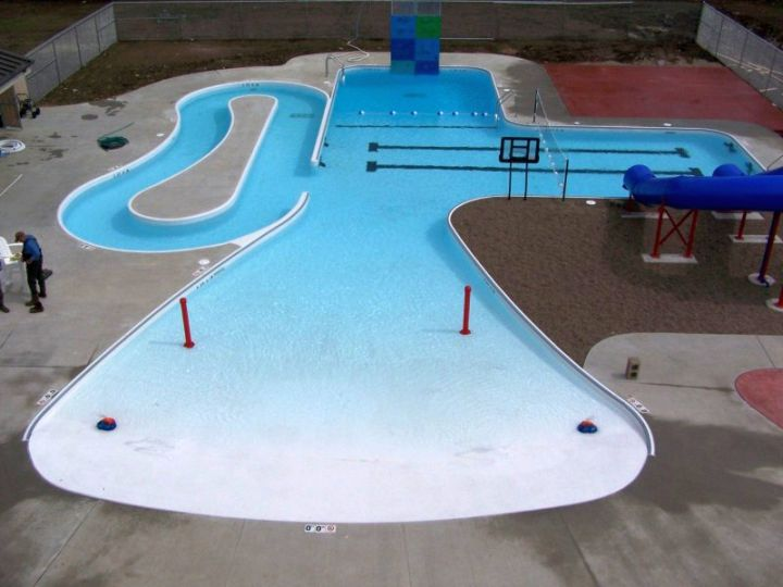 Lazy L Pool Designs Mixed With Kidney Shaped And Freeform