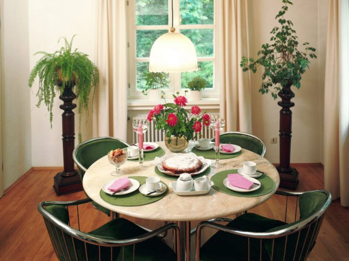 Round Dining Room Table Decor Ideas dining room table arrangements - grafill