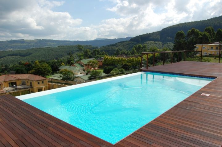 rooftop swimming pools for small spaces