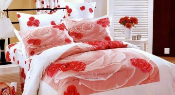 simple flowery bed covers for most romantic bedrooms