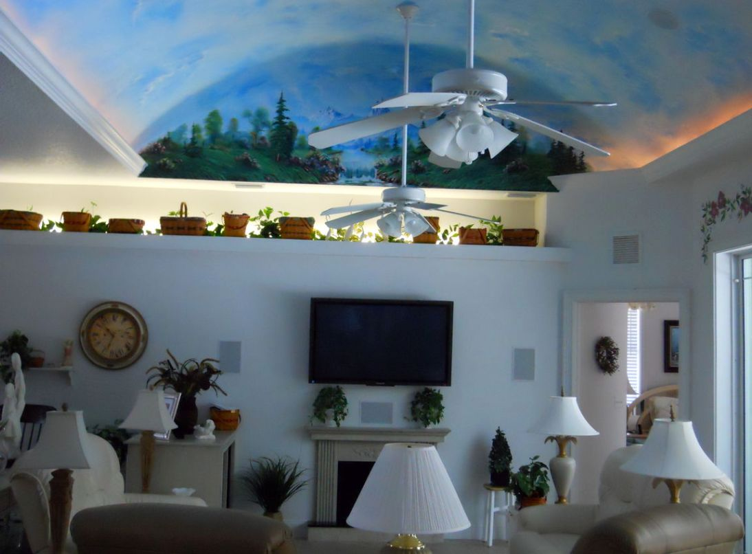 vaulted ceiling decorating ideas living room - Decorative vaulted ceiling design idea for small family