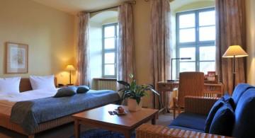 Mediterranean Home Decor for guest bedroom