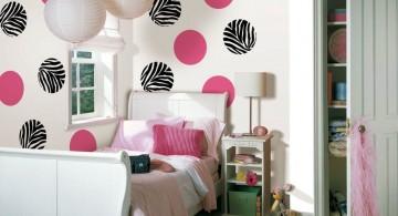 Pink bubbles and zebra bubbles DIY Indoor Wall Painter