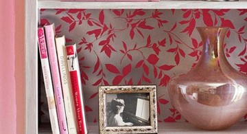 Bookshelf decorating ideas using pink floral print