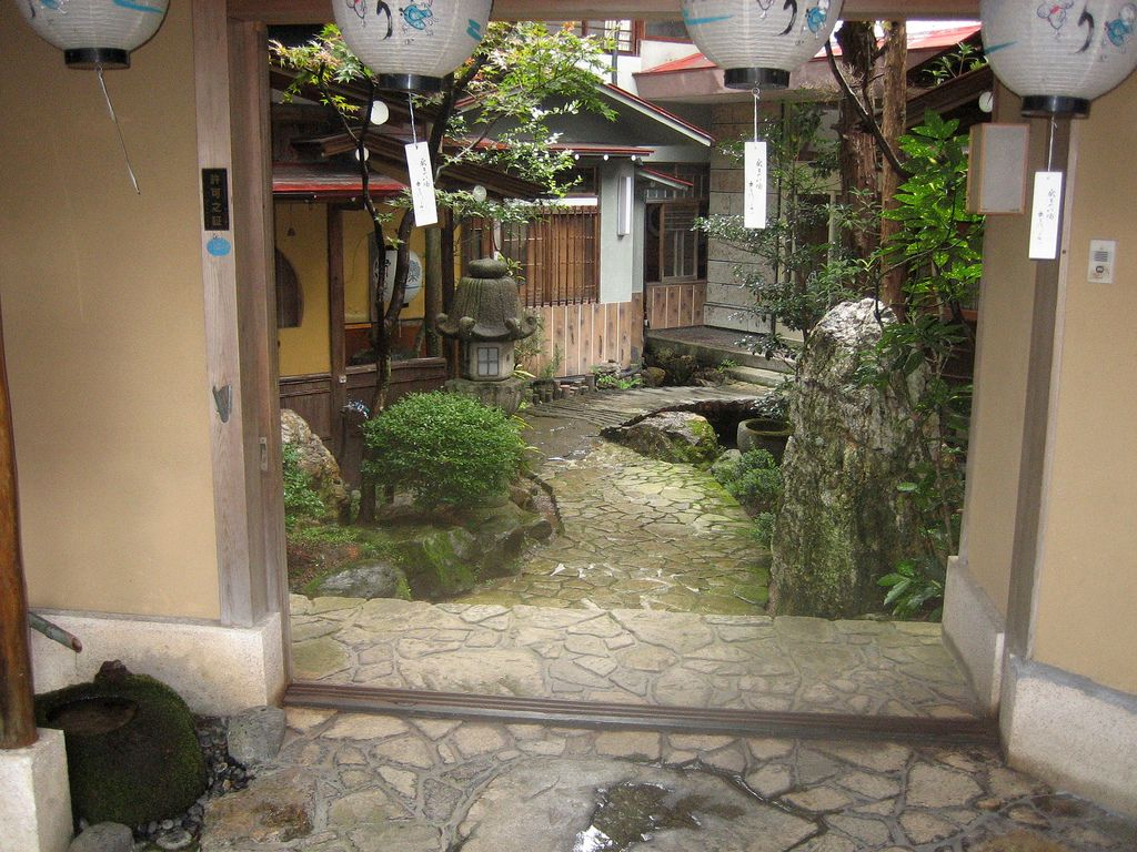 20 Lovely Japanese Garden Designs for Small Spaces on Small Backyard Japanese Garden Ideas id=43566