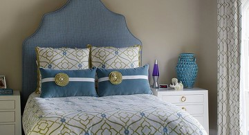 blue and gold bedroom with cute blue seats