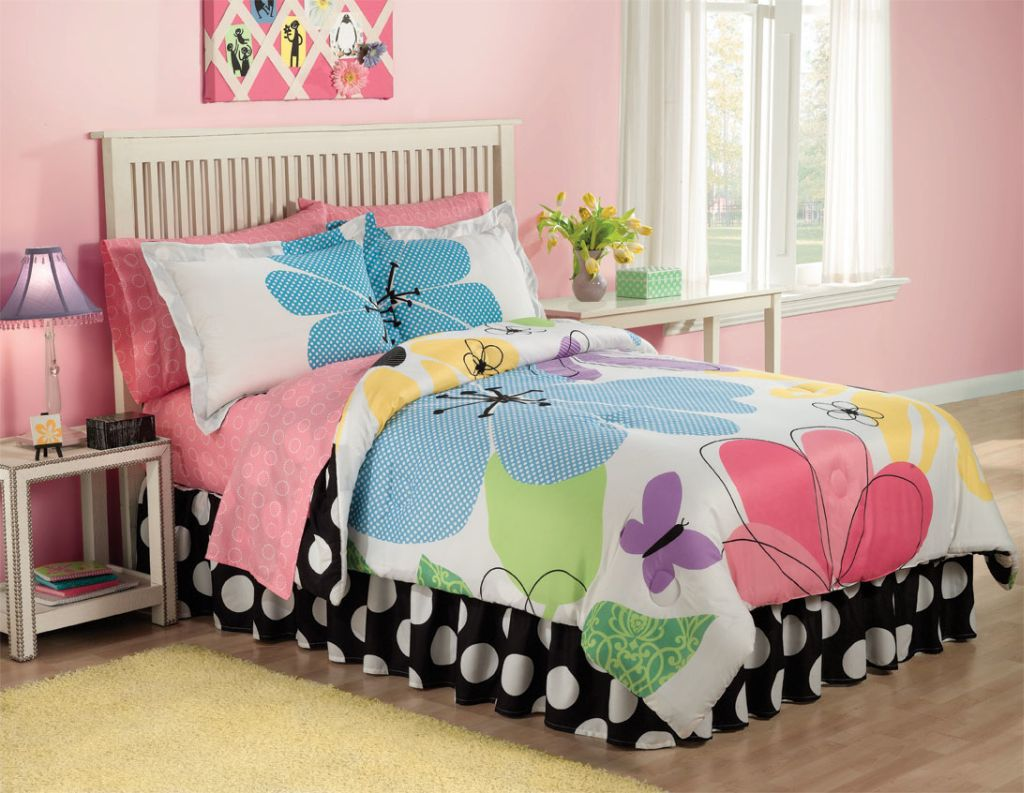 19 Cute Girls Bedroom Ideas Which Are Fluffy, Pinky, and All on Small Bedroom Ideas For Women  id=75106