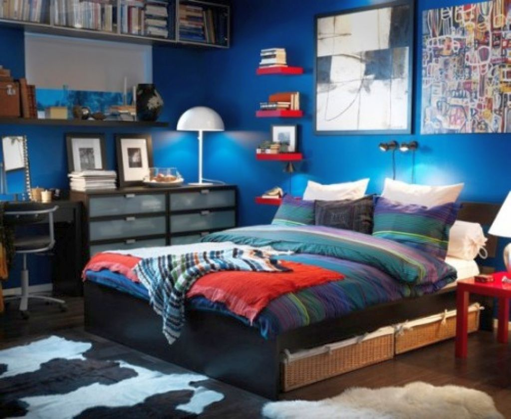 17 Cool Bedrooms for Teenage Guys Ideas on Small Bedroom Ideas For Teenage Guys  id=71385