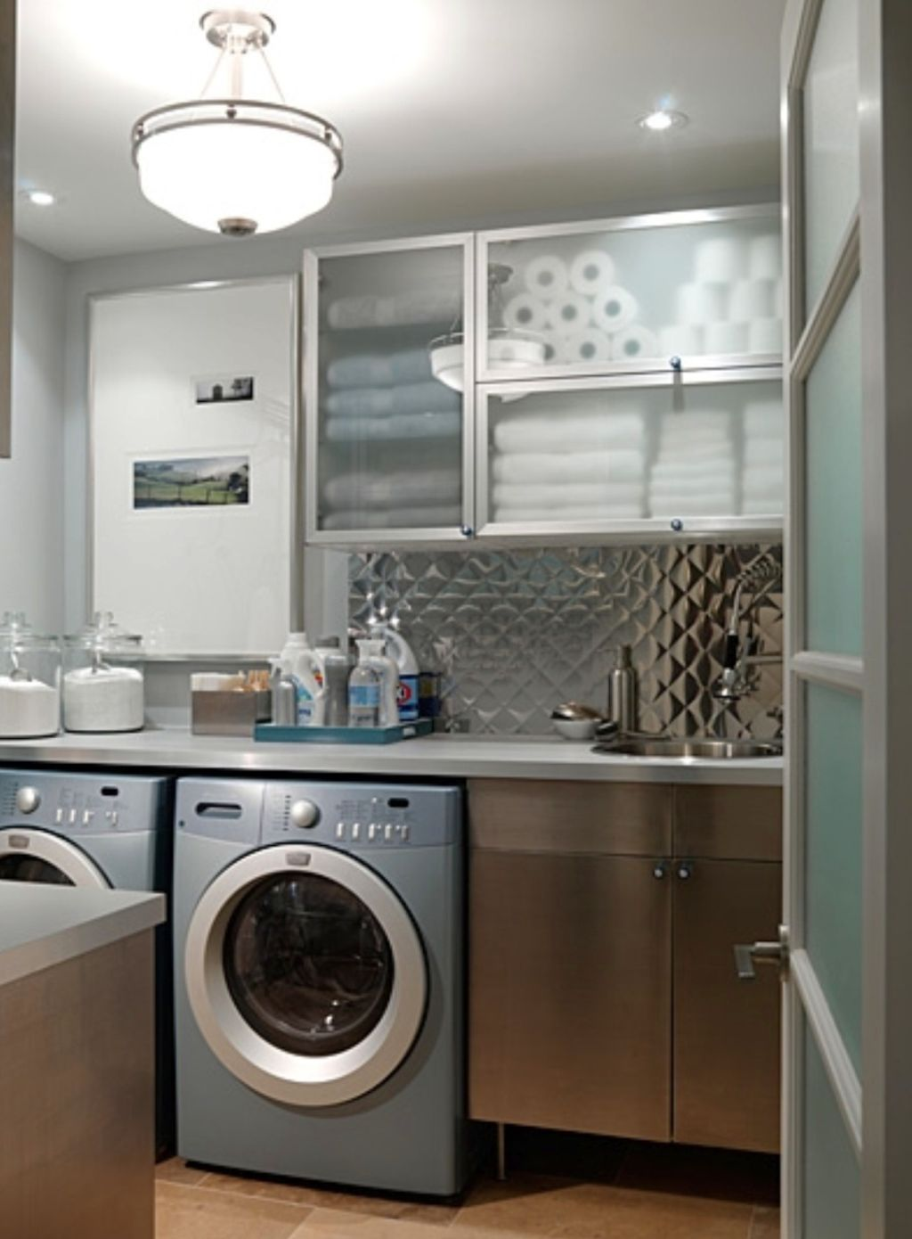 20 Beautiful Designs for Small Laundry Rooms on Small Laundry Ideas  id=83473