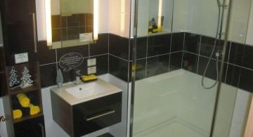 horizontal line black bathrooms ideas