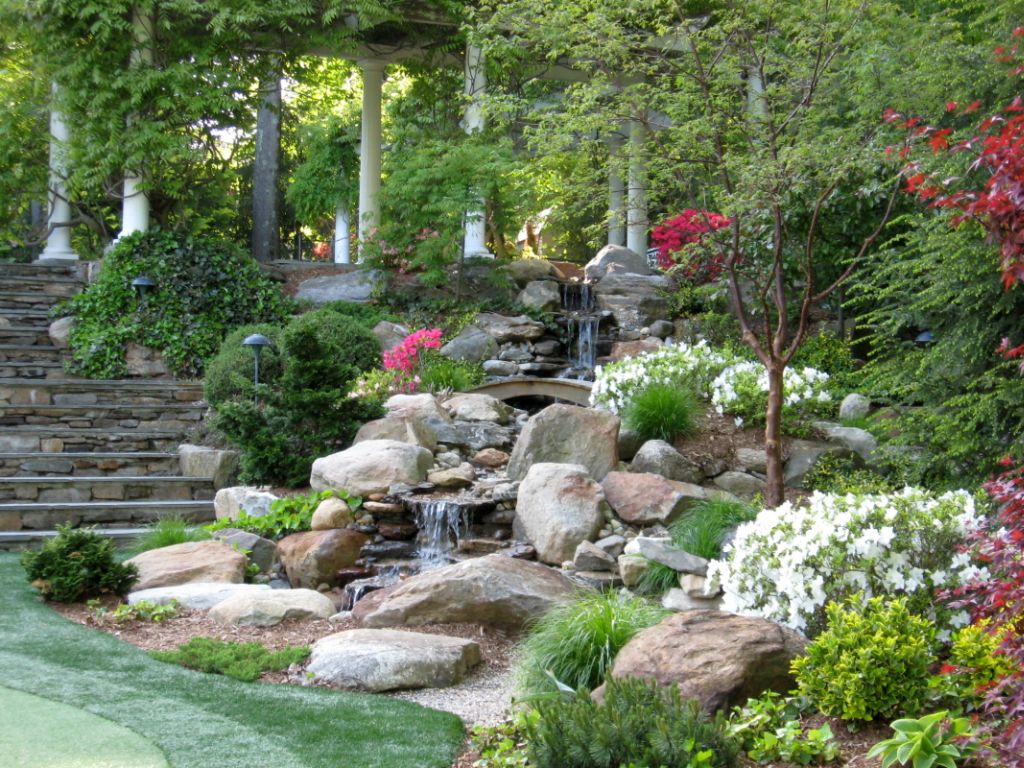 20 Landscaping Designs with Big Rocks You Must Copy on Rocks In Backyard  id=95914