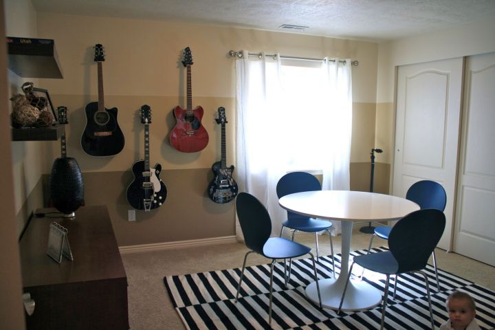 Minimalist And Contemporary Music Room Designs For Small Space