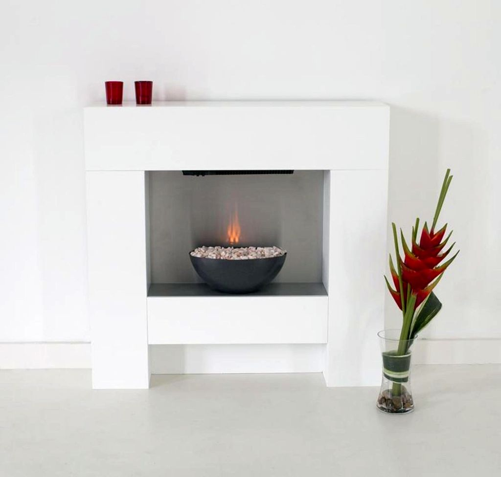 19 Sleek Modern White Fireplace Designs