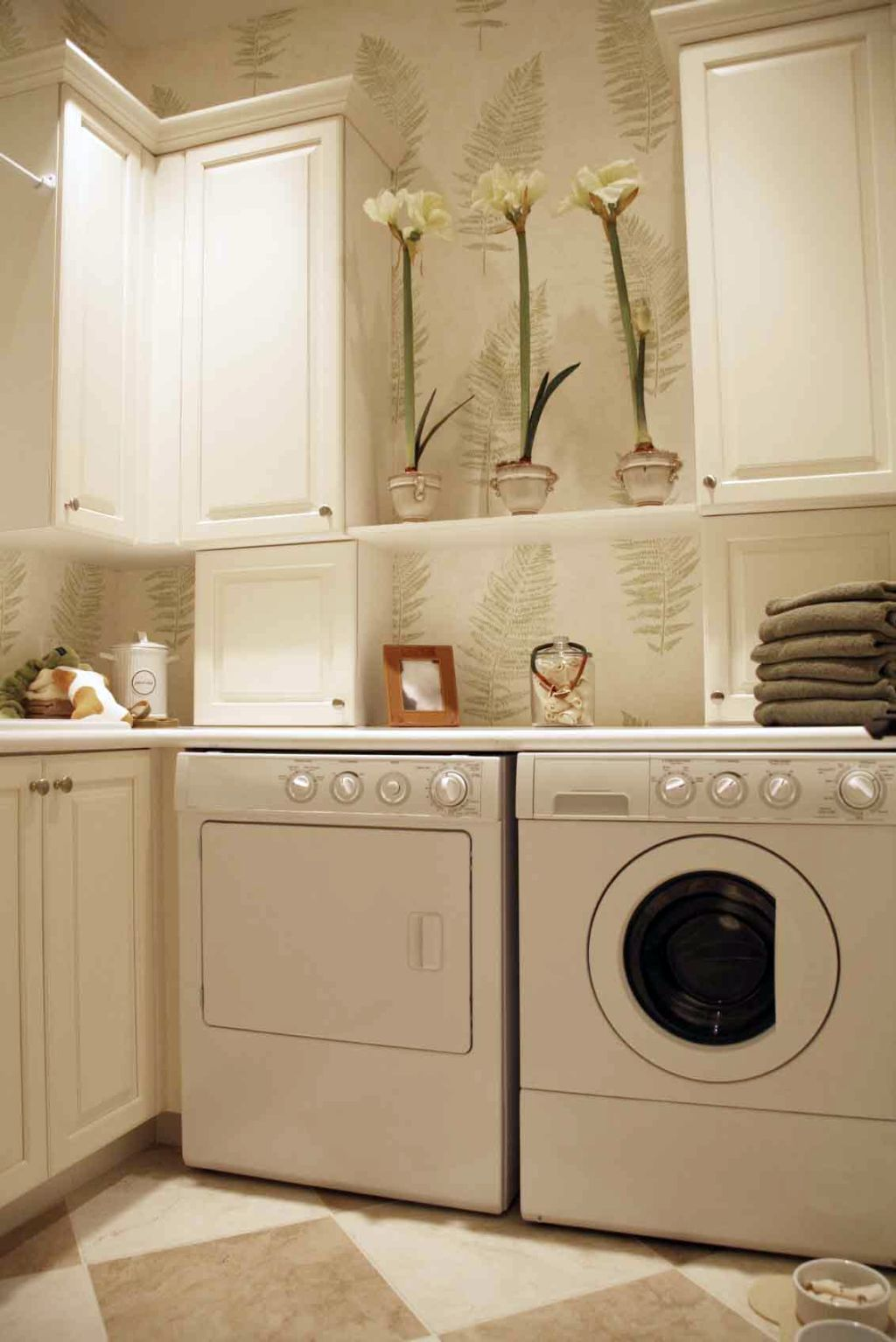 small laundry room ideas 20 beautiful designs for small laundry rooms 30661