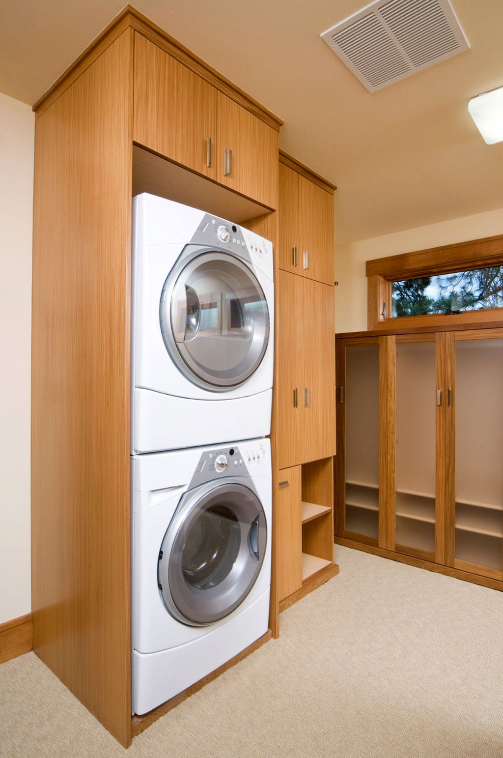 20 Beautiful Designs for Small Laundry Rooms on Small Laundry Room Cabinets  id=57911