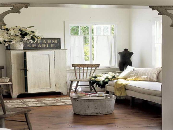 Vintage Living Room Ideas With Rustic Coffee Table