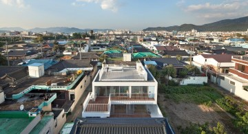 172M2 Compact House front bird eye view