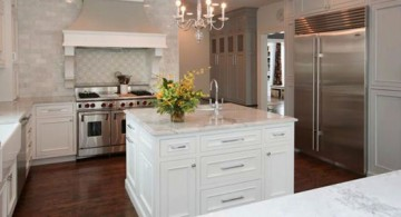 Colonial Kitchen Remodelling by Jeanie Petrick