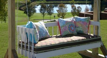 Outdoor swinging beds in blue