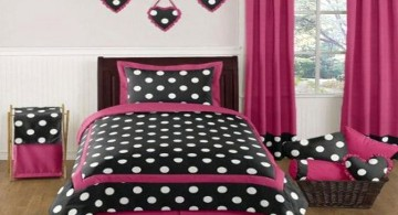 black and white polkadot in hot pink room