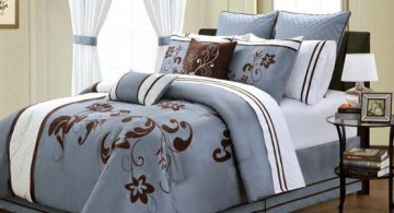 featured image of brown and blue bedroom with lovely floral bedding pattern and brown wooden floor