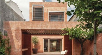 featured image of the front porch of modern old spanish house by H Arquitectes
