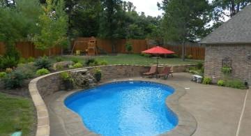 kidney shape pool in small yard