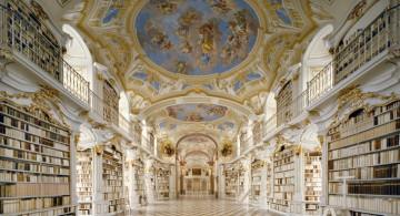 ornated nave beautiful ceilings