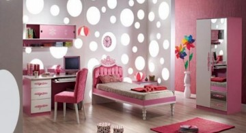 cool ideas for bedroom with bubbles wallpaper