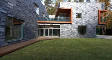 two villas center garden