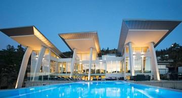 ultramodern lake house front view
